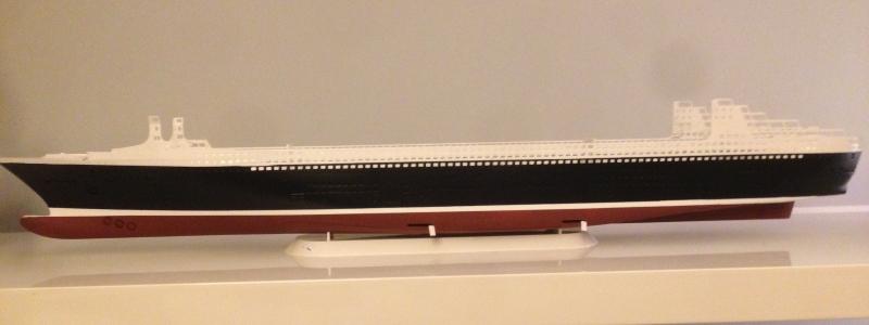 construction du queen mary 2 au 1/400 de chez revell Img_0613