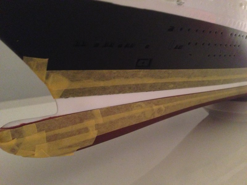 construction du queen mary 2 au 1/400 de chez revell Img_0615