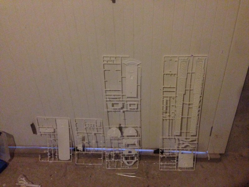 construction du queen mary 2 au 1/400 de chez revell Img_0620
