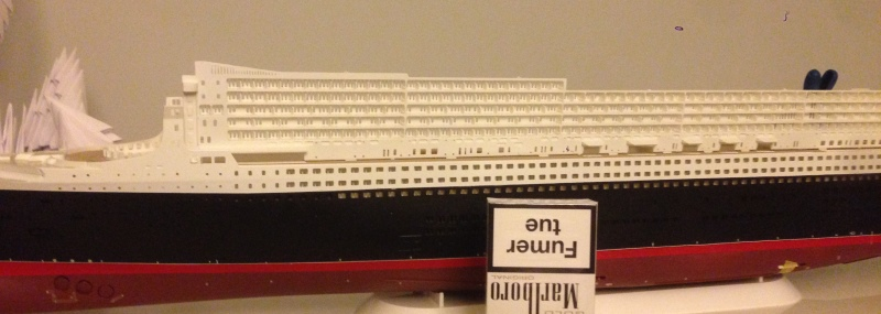 construction du queen mary 2 au 1/400 de chez revell - Page 2 Img_0636