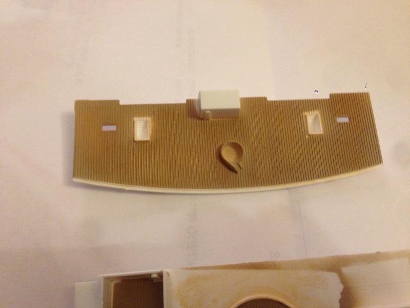 construction du queen mary 2 au 1/400 de chez revell - Page 3 Img_0722