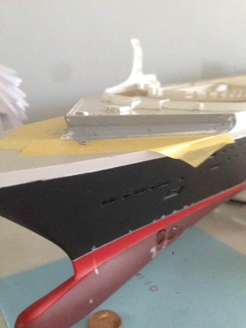 construction du queen mary 2 au 1/400 de chez revell - Page 4 Img_0742