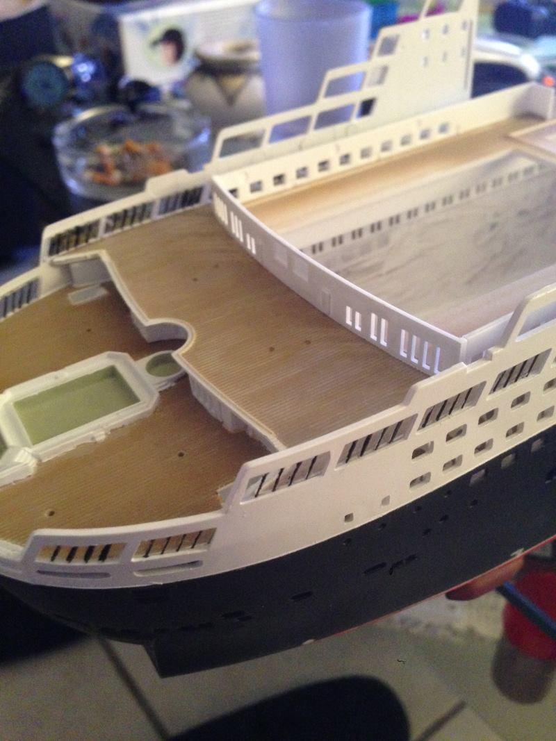 construction du queen mary 2 au 1/400 de chez revell - Page 4 Img_0760