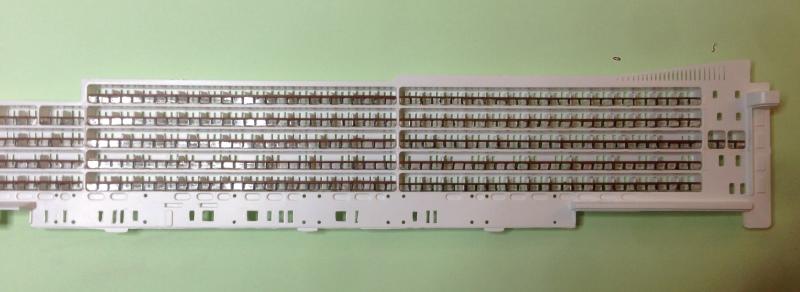 construction du queen mary 2 au 1/400 de chez revell - Page 5 Img_0811