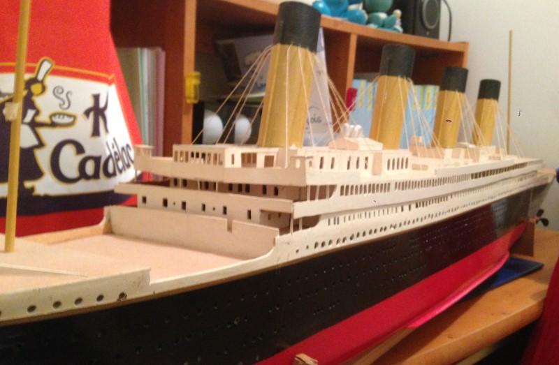 construction du queen mary 2 au 1/400 de chez revell - Page 6 Img_0832