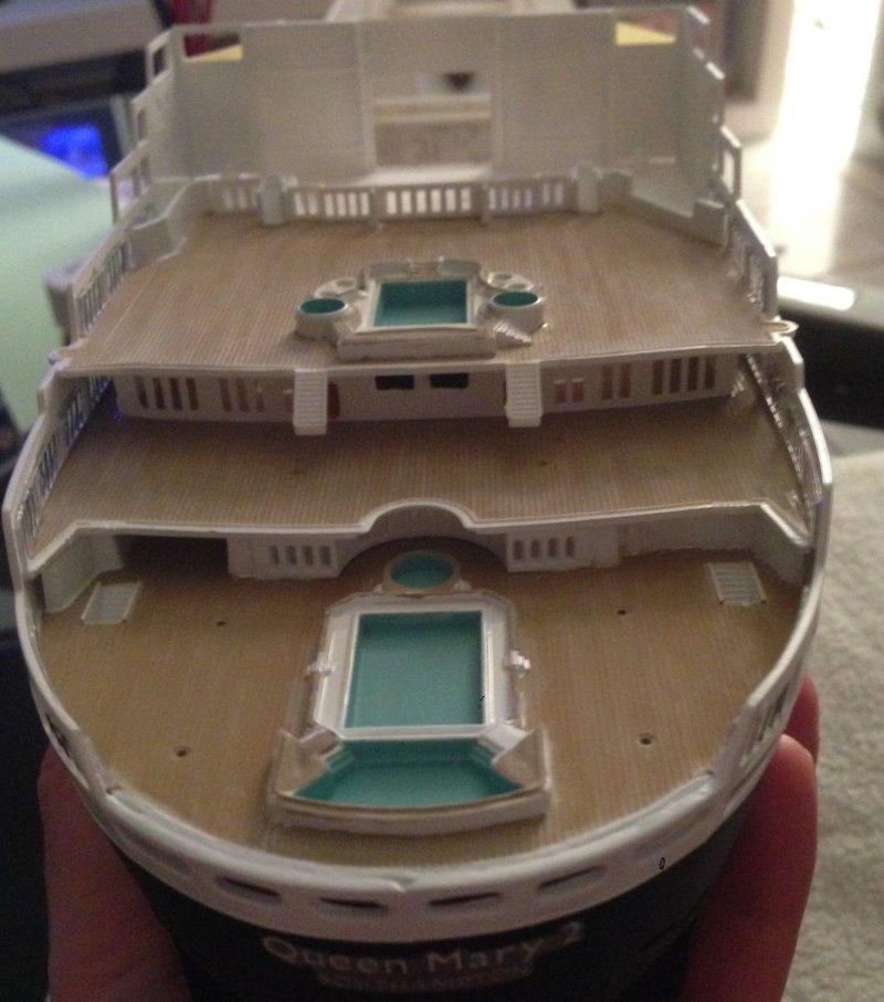 construction du queen mary 2 au 1/400 de chez revell - Page 6 Img_0837