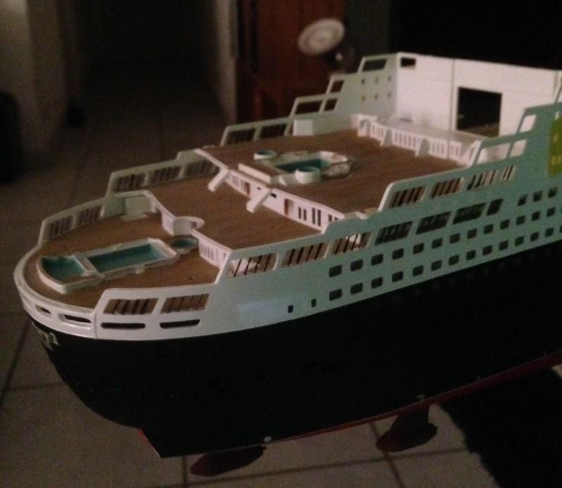 construction du queen mary 2 au 1/400 de chez revell - Page 6 Img_0839