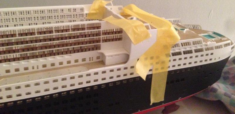 construction du queen mary 2 au 1/400 de chez revell - Page 6 Img_0848