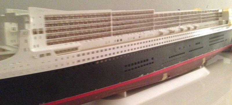 construction du queen mary 2 au 1/400 de chez revell - Page 6 Img_0851