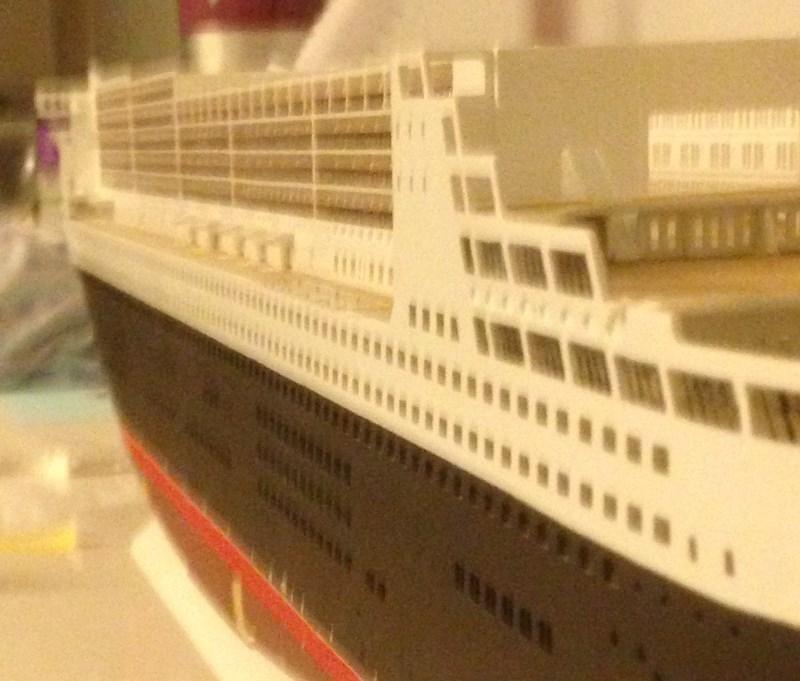 construction du queen mary 2 au 1/400 de chez revell - Page 6 Img_0857