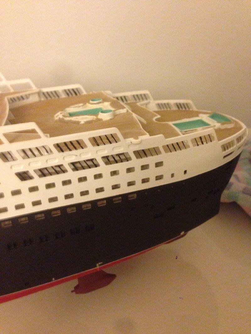 construction du queen mary 2 au 1/400 de chez revell - Page 6 Img_0860