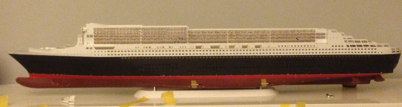 construction du queen mary 2 au 1/400 de chez revell - Page 6 Img_0865