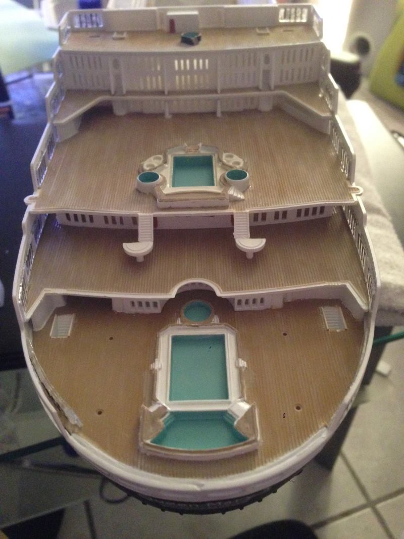 construction du queen mary 2 au 1/400 de chez revell - Page 6 Img_0869