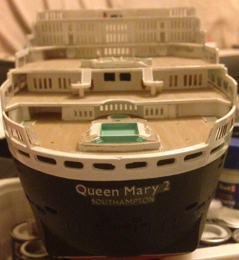 construction du queen mary 2 au 1/400 de chez revell - Page 6 Img_0871