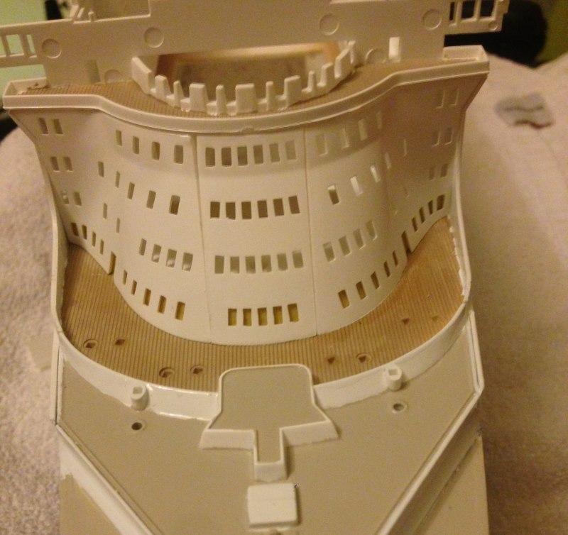 construction du queen mary 2 au 1/400 de chez revell - Page 6 Img_0875