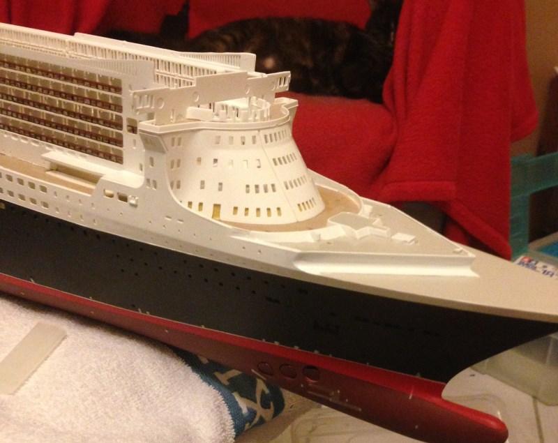 construction du queen mary 2 au 1/400 de chez revell - Page 6 Img_0877