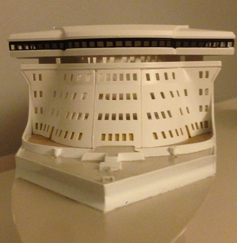 construction du queen mary 2 au 1/400 de chez revell - Page 6 Img_0879
