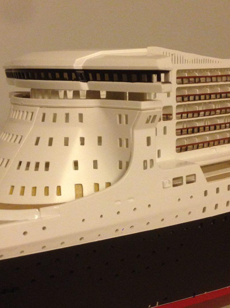 construction du queen mary 2 au 1/400 de chez revell - Page 6 Img_0880