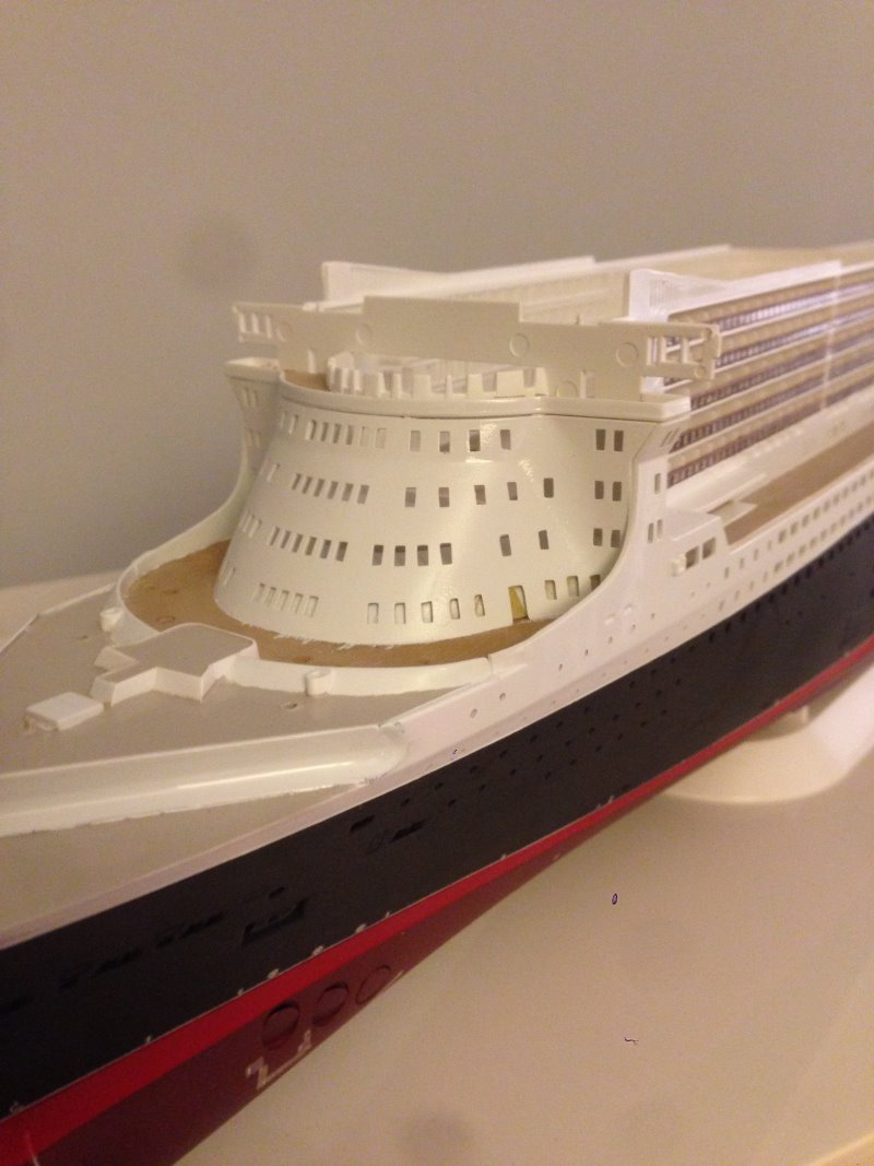 construction du queen mary 2 au 1/400 de chez revell - Page 7 Img_0886