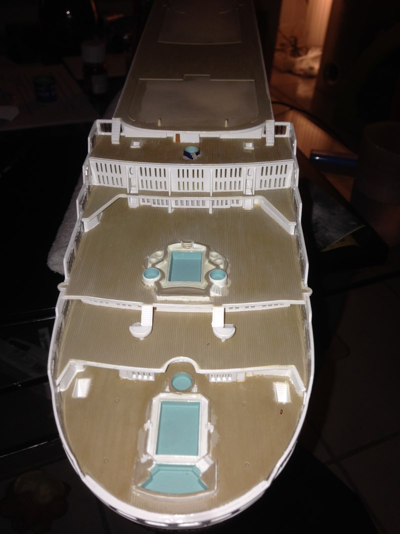 construction du queen mary 2 au 1/400 de chez revell - Page 7 Img_0922