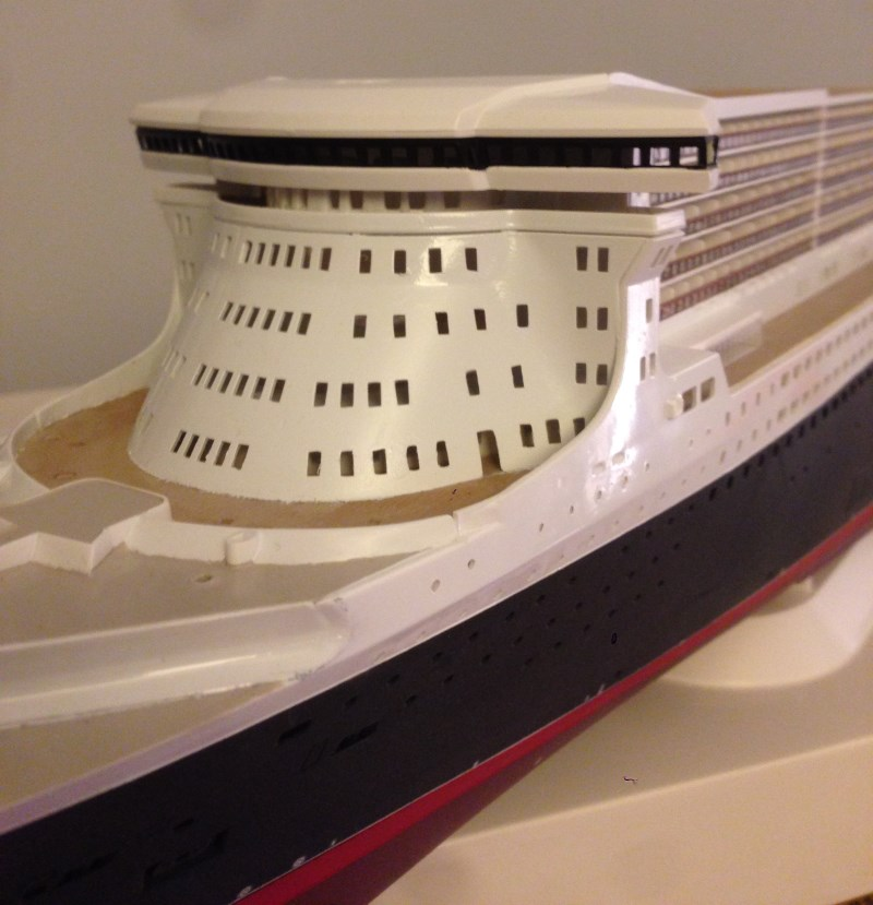 construction du queen mary 2 au 1/400 de chez revell - Page 7 Img_0929