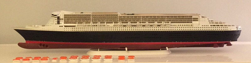 construction du queen mary 2 au 1/400 de chez revell - Page 7 Img_0932