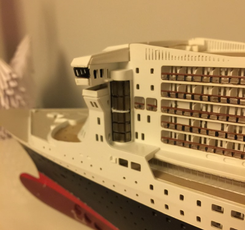 construction du queen mary 2 au 1/400 de chez revell - Page 7 Img_0933