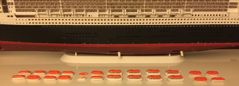 construction du queen mary 2 au 1/400 de chez revell - Page 7 Img_0936