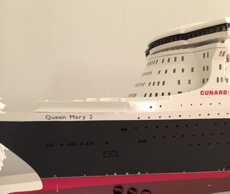 construction du queen mary 2 au 1/400 de chez revell - Page 7 Img_0945