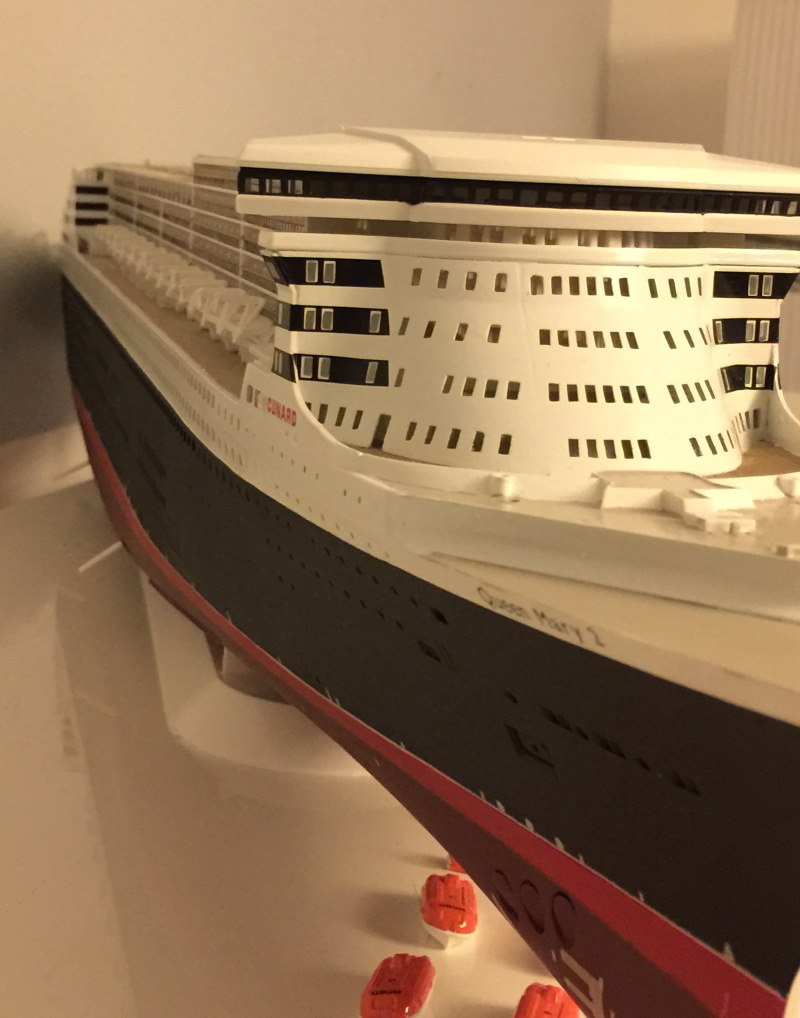 construction du queen mary 2 au 1/400 de chez revell - Page 8 Img_0970