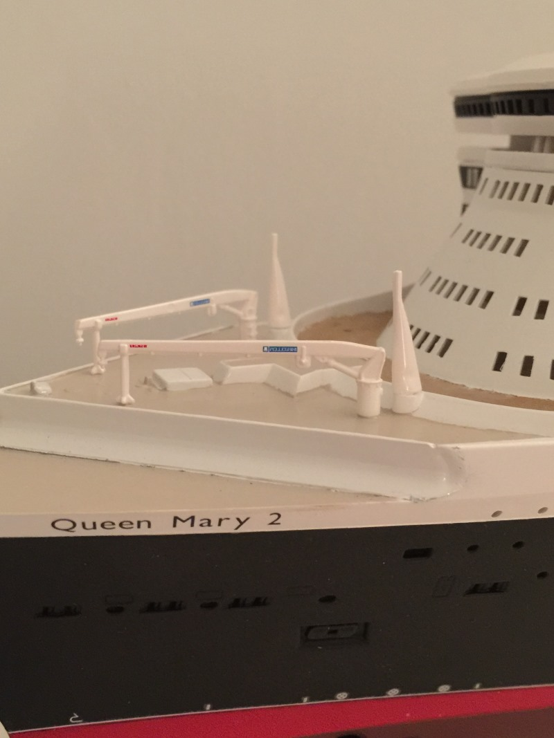 construction du queen mary 2 au 1/400 de chez revell - Page 9 Img_1014