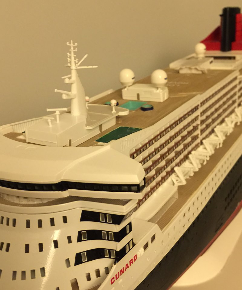 construction du queen mary 2 au 1/400 de chez revell - Page 9 Img_1031