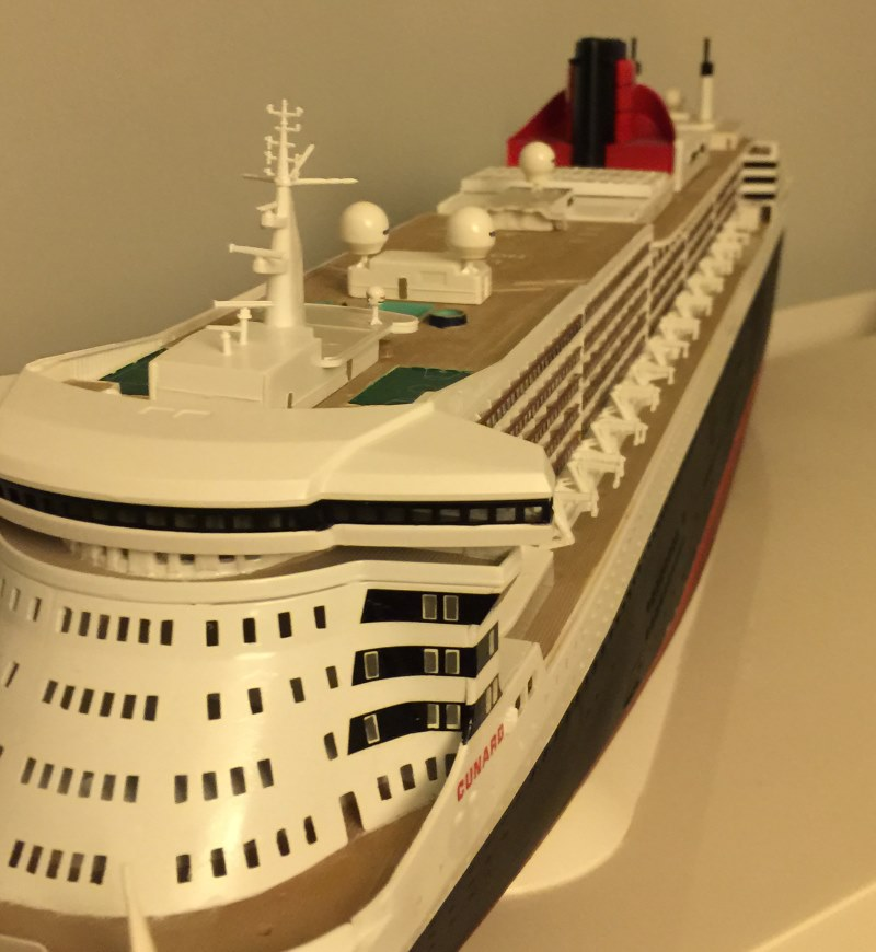 construction du queen mary 2 au 1/400 de chez revell - Page 9 Img_1037
