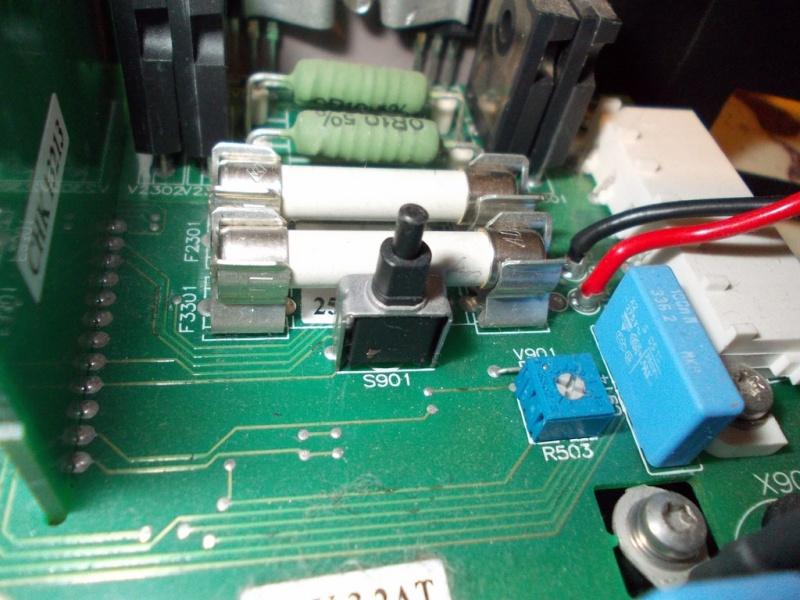 Charge de la batterie auxilaire Dscn0311