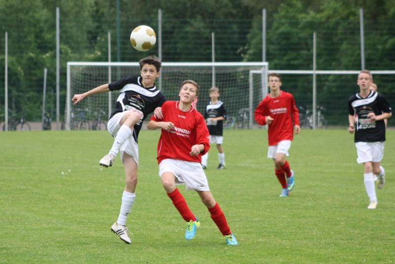 13.Spieltag: BaWa - SG Ahrweiler/Bad Neuenahr 2:2 (0:1) Img_0827