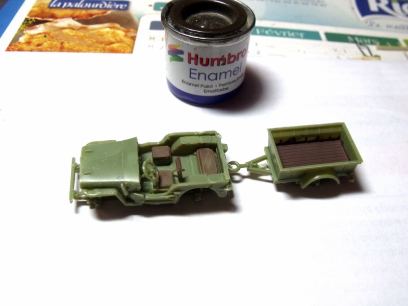 JEEP WILLYS ambulance base Heller au 1/72 en scratch Jpam_013