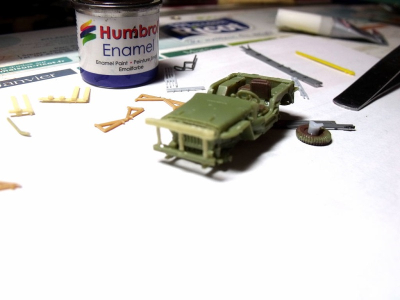 JEEP WILLYS ambulance base Heller au 1/72 en scratch Jpam_014