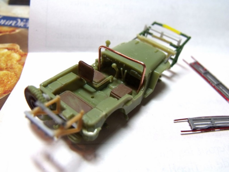 JEEP WILLYS ambulance base Heller au 1/72 en scratch Jpam_112