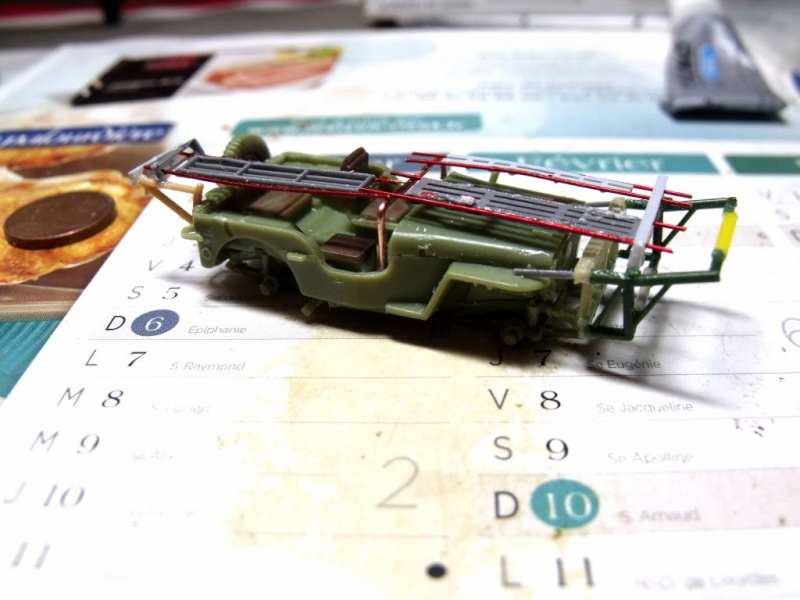 JEEP WILLYS ambulance base Heller au 1/72 en scratch Jpam_114