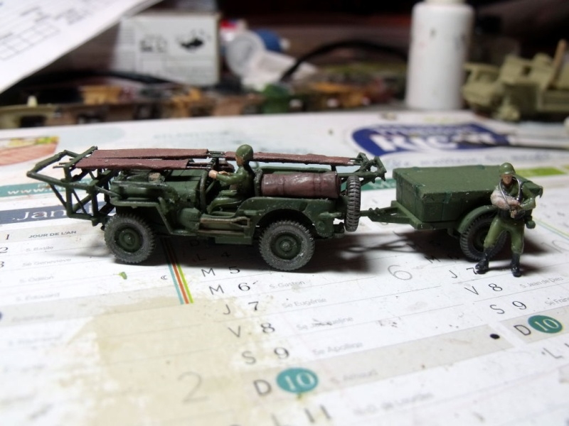 JEEP WILLYS ambulance base Heller au 1/72 en scratch Jpam_214