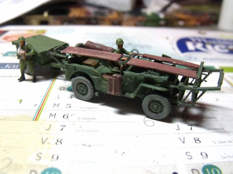 JEEP WILLYS ambulance base Heller au 1/72 en scratch Jpam_215