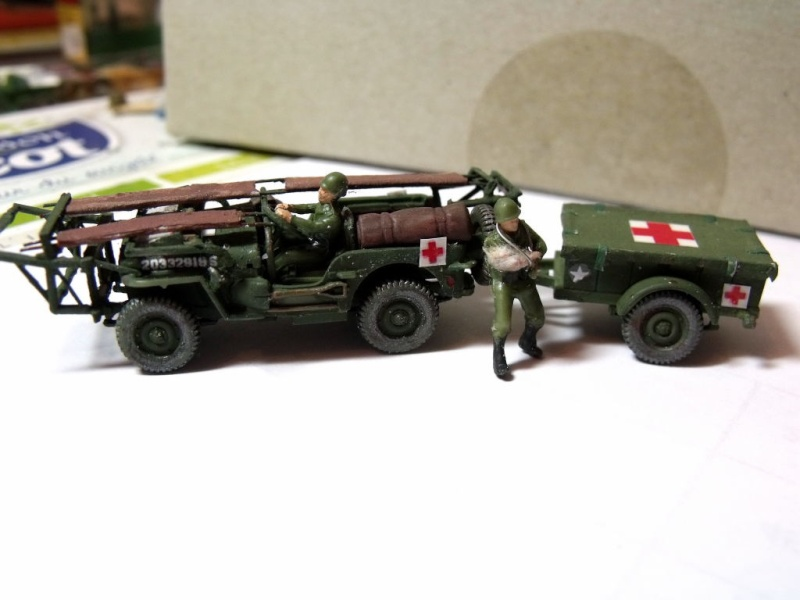 JEEP WILLYS ambulance base Heller au 1/72 en scratch Jpam_310