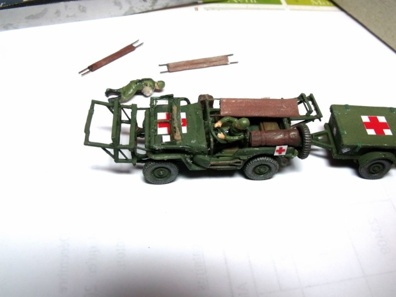 JEEP WILLYS ambulance base Heller au 1/72 en scratch Jpam_311