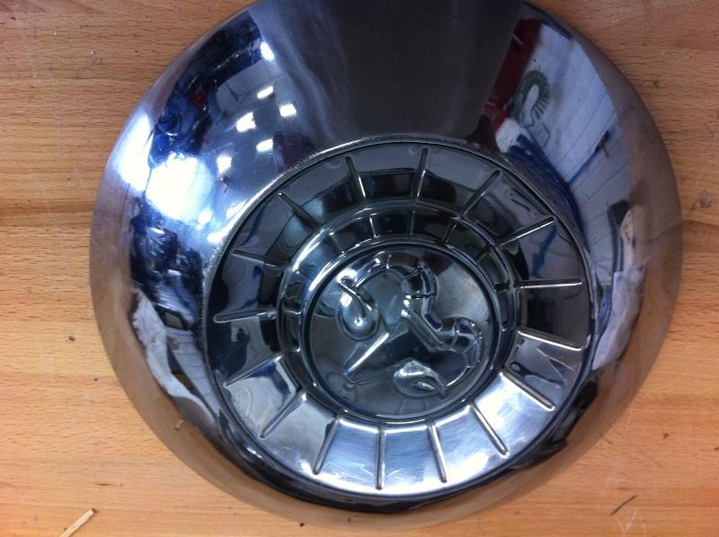 roue 15 pouces et center cap et logo Dishhu10