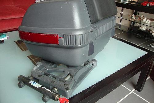 vend sacoches, topcase avec platine, antivol Dsc05919