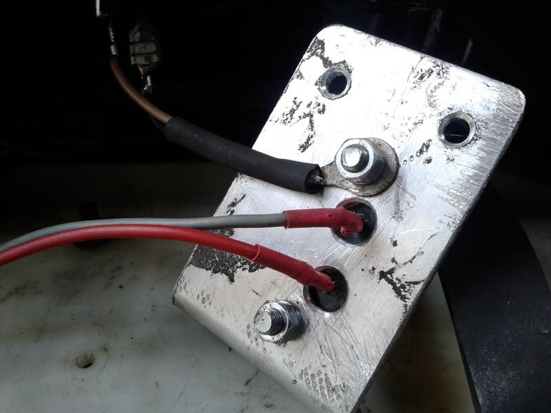 adaptation régulateur d'alternateur automobile sur moto 12V 610