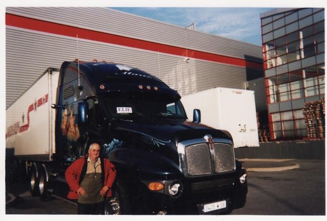 Des photos de camions bétaillères à moutons et d'autres photos de camions aussi conduit par Henry Elie . - Page 3 Beau_c11