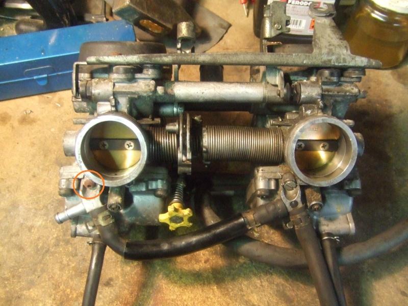 CB500 carénée : Dans mon garage, savez vous quoi qui n'y a? Vis10