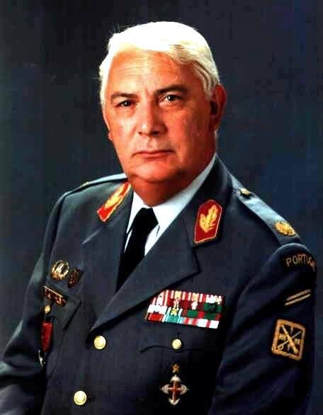 Faleceu o General Gabriel Augusto do Espírito Santo - 17Out2014 Genera10