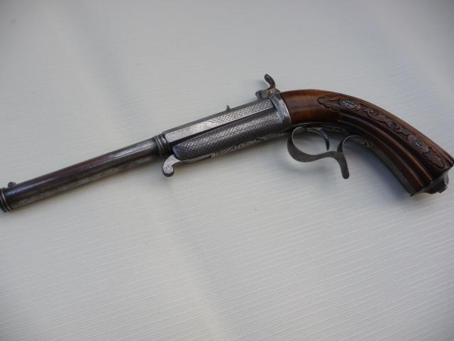 Pistolet Gaubert??? P1070120